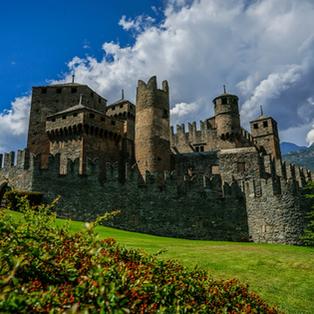 Aosta, Castello di Fenis e Forte di Bard