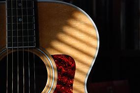 Actualización en tecnica de guitarra para musicoterpeutas. Talleres en APEM Argentina