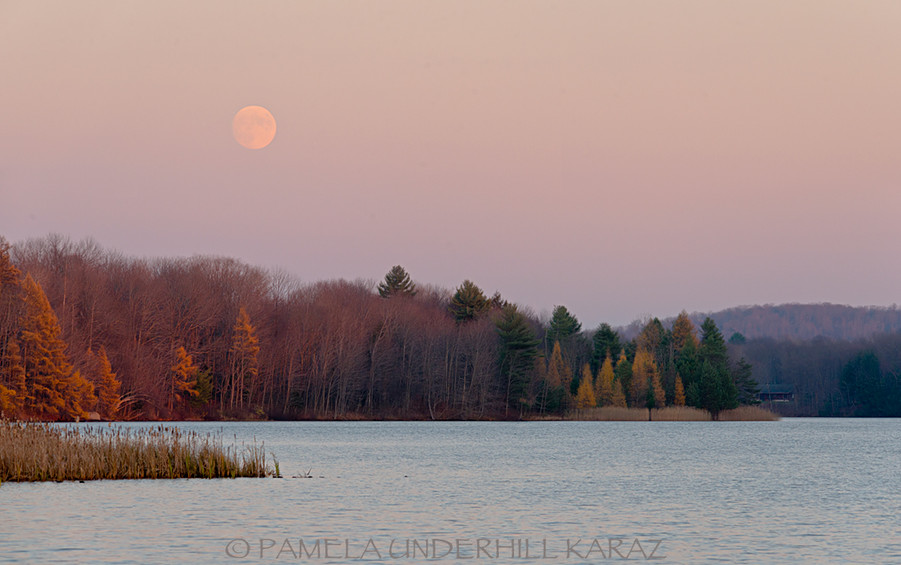 Full Moon below Hinckley Lake