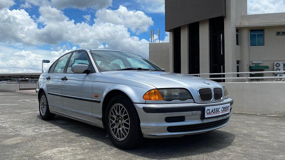 BMW 3 Series 318i (COE till 04/2025)