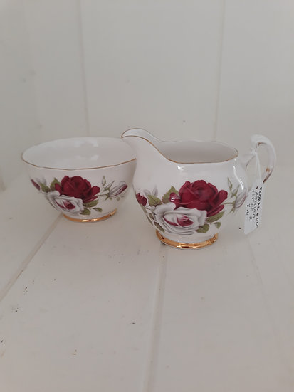Milk and sugar Colclough bone china set
