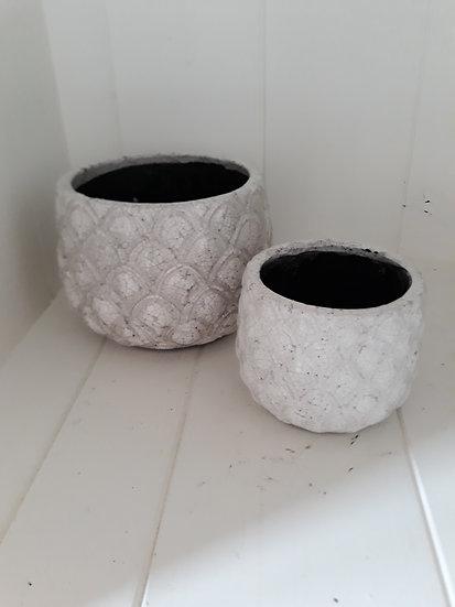 White textured indoor pots