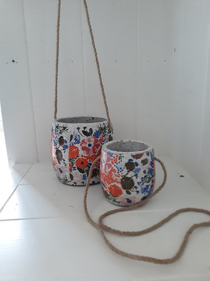 Small Hanging Country Garden Pot