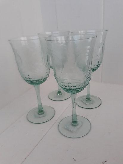 Green kasia textured wine glass