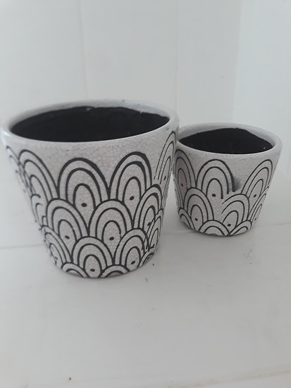 Small Archways Black and White Indoor Pot