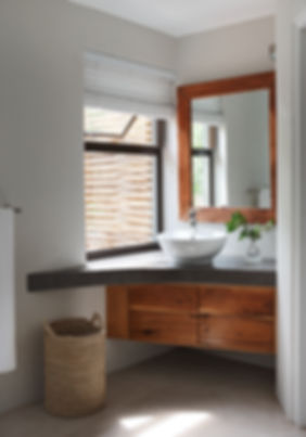 moditlo_bathroom1.jpg
