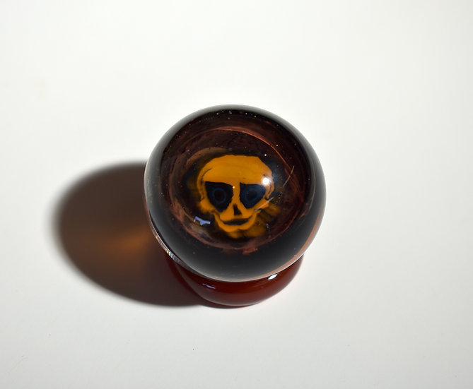 Skull Marble w/Stand