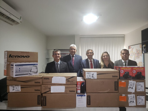 Caixa de Assistência entrega equipamentos de informática à Subseccional da OAB de CG