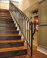 Фото лестниц с центральным косоуром