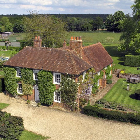 PROPERTY OF THE DAY: BLAE GROVE HOUSE, HOOK, HAMPSHIRE, Town&Country