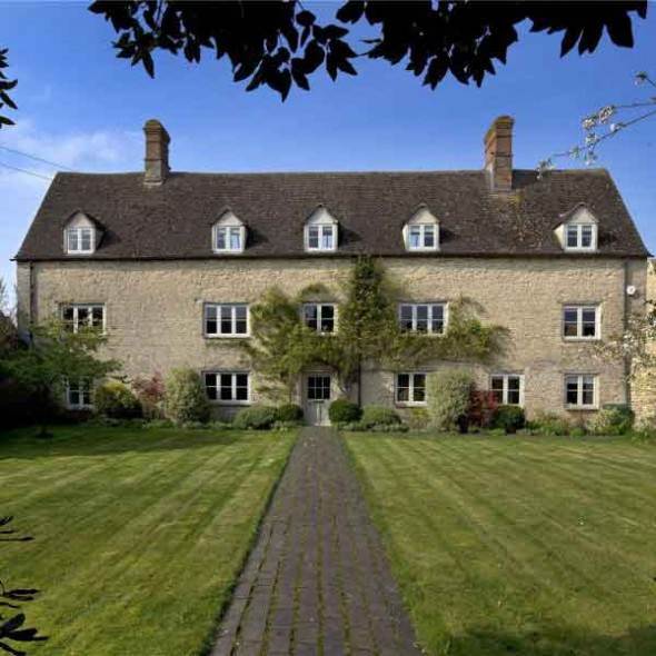 PROPERTY OF THE DAY: HESINGTON FARMHOUSE, OXFORDSHIRE, Town&Country