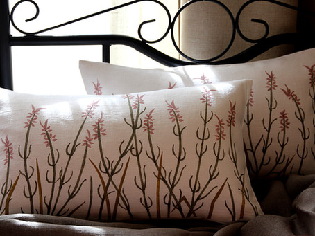 Linen pillows for stylish cottage