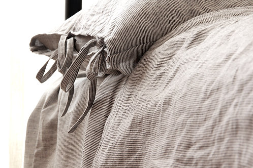 Grey oversized linen duvet cover and pillowcase