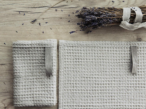 Linen wash cloth with hanging loop by Linenspace