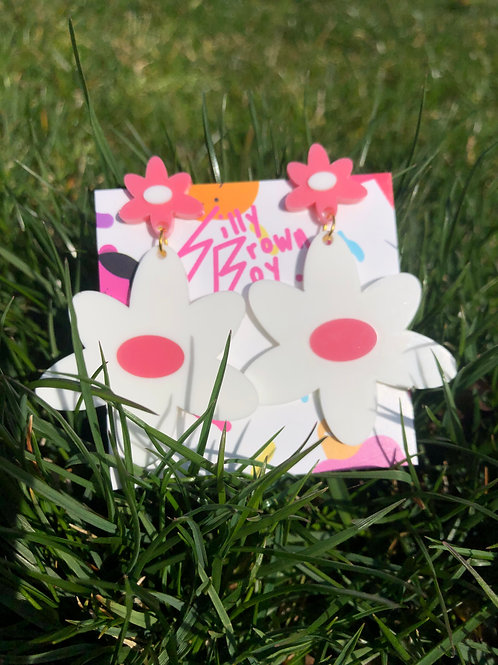White/Pink Dizzy Daisy