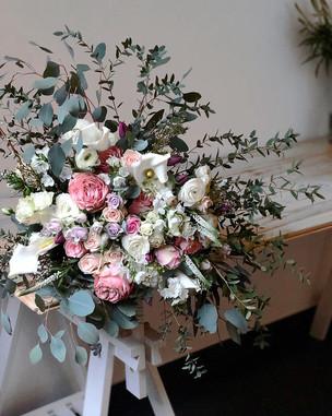 bouquet elegant dans les coulers pastels