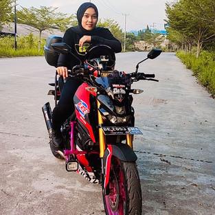 Lady Shofia, Lady Biker Lampung Ini Turing Keliling Planet!