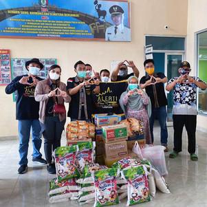 Komunitas All New Rush-Terios Indonesia (ALERT) Lampung Peduli Banjir