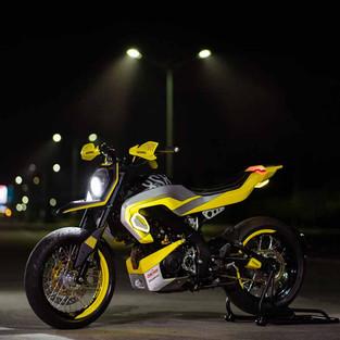 Yamaha XSR 155 Supermoto Garapan Treasure Garage Bali untuk Yard Built Indonesia