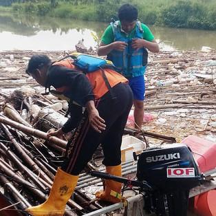 Suzuki Club Reaksi Cepat  Gelar Program Operasi Bersih Kali dan Penanaman Pohon