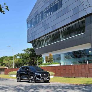 Komparasi All New Nissan Magnite 1.0L Turbo CVT Varian Upper dan Premium