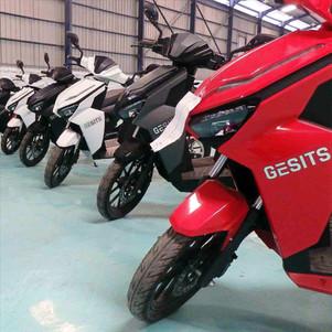 GESITS Diekspor Perdana ke Senegal, Digunakan Sebagai Armada Taksi Motor Moderen
