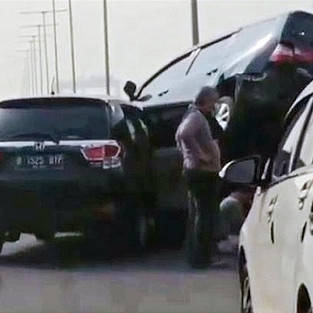 Jarak Aman Berkendara untuk Antisipasi Kecelakaan Beruntun