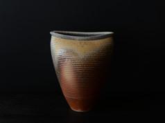 備前花器    Vase