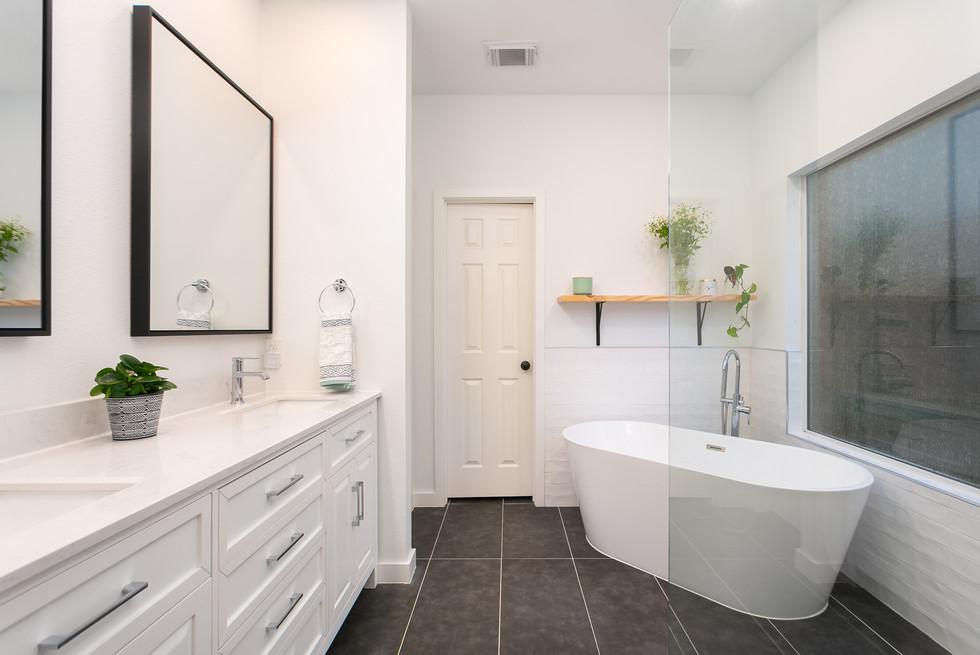 Master Bathroom1 - SC 7