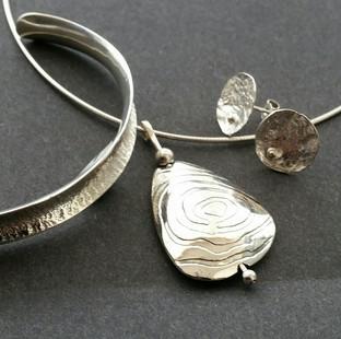 Bangle, earrings & pendant Sterling silver