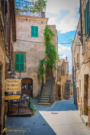Architekturfoto-Toscana Pitigliano alte Architektur