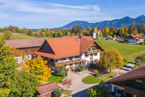 Architekturfoto-Ferienwohnung Haus in Füssen im Herbst