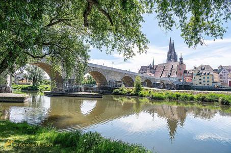 Regensburg_Steinerne-Brücke_20210602-739