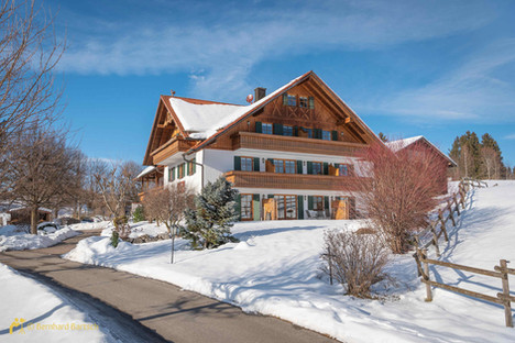 Architekturfoto-Ferienwohnung Haus in Füssen im Winter