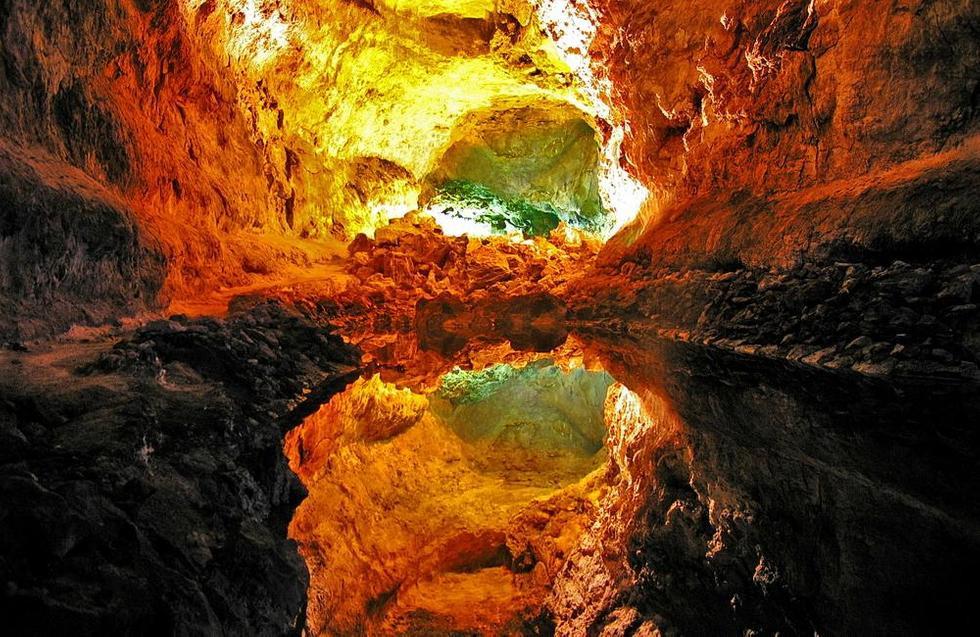 cueva de los verdes, Lanzarote, paisaje volcánico,