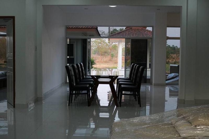 Room-Modern-Villa-12