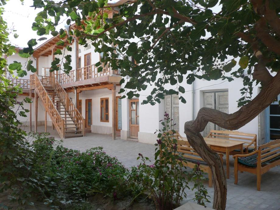 Helene-Oasis-patio-2