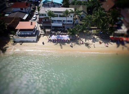 Les pieds dans l'eau avec ANJALI HOTEL