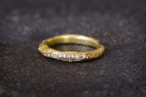 Recycled 18k Gold ring with 0.20ct diamonds, cognac colour
