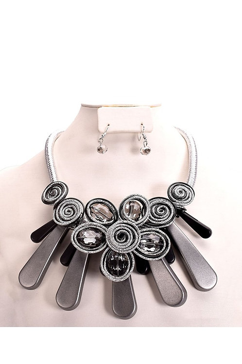 Beaded Flower Acrylic Spiral Necklace Set 131