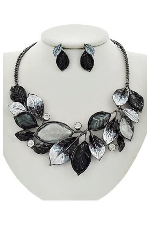 Beautiful Black & Silver Leaves 143