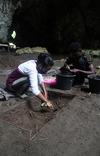 EN_excavates2.jpg