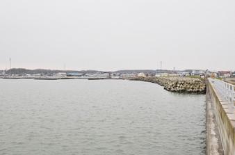 標津漁港波返し工