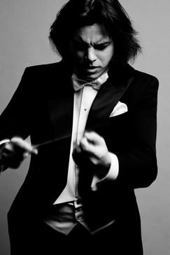 Dawid Runtz, conductor | Photo by Karpati & Zarewicz,  No. 6