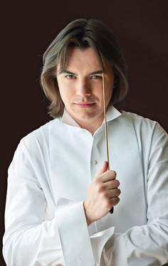 Dawid Runtz, conductor   Photo by Karpati & Zarewicz,  No. 4