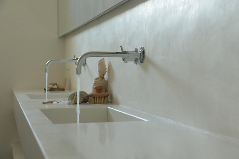 5 bathroom.jpg