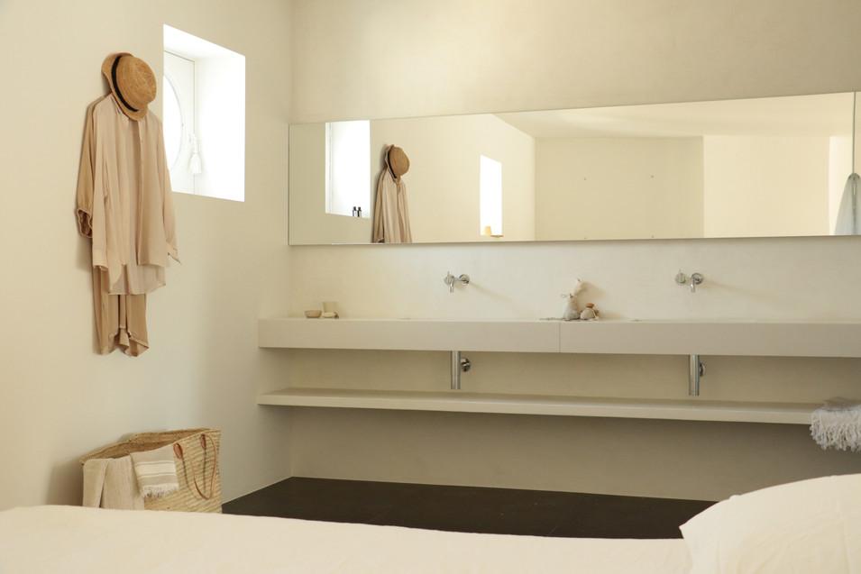 4 bathroom.jpg