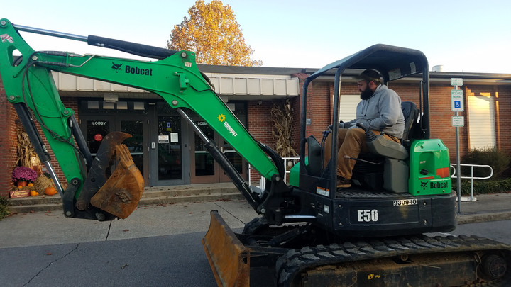 PVES Recipient of Hertz Landscaping Makeover