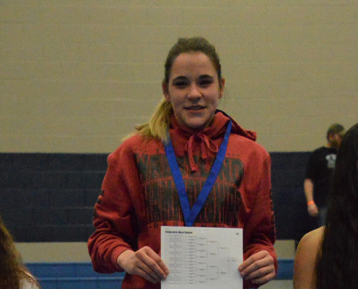 Thomason Becomes Cheatham High's First Female Wrestler to Take First at Regional Tournament