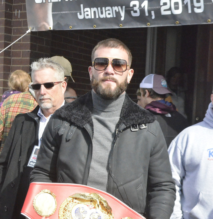 Unbeaten Plant to Defend Title Jan. 30